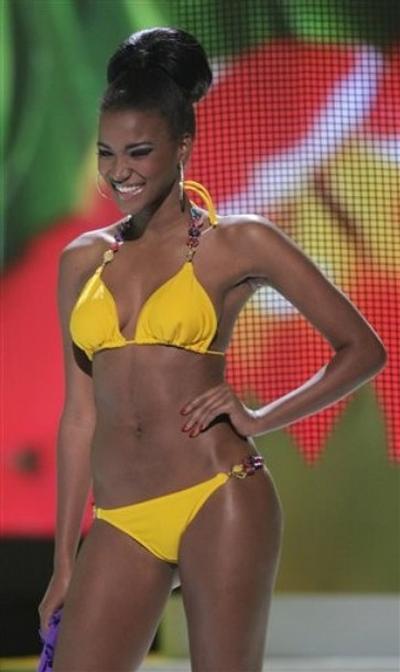 """""""Мисс Вселенная 2011"""" Лейла Лопес / Leila Lopes из Анголы"""