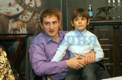 Сын Леонида Черновецкого Степан с сыном