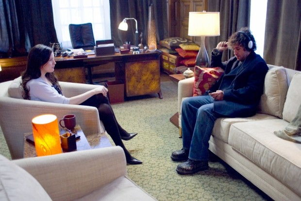 Кадр из фильма Опустевший город с Лив Тайлер и Адамом Сэндлером