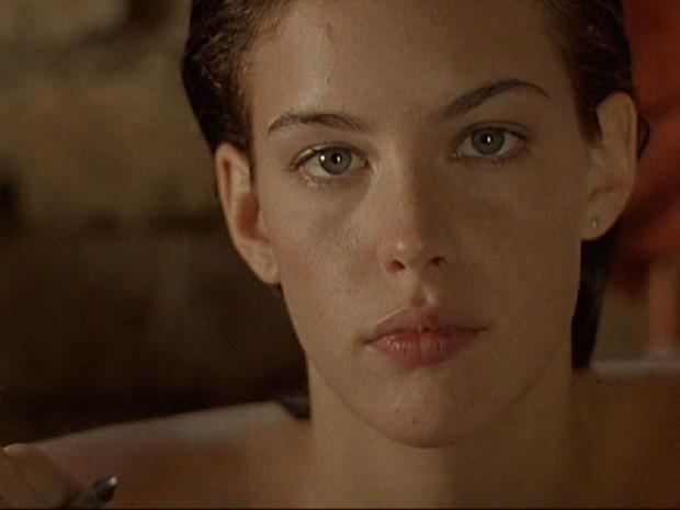 Кадр из фильма Ускользающая красота с Лив Тайлер
