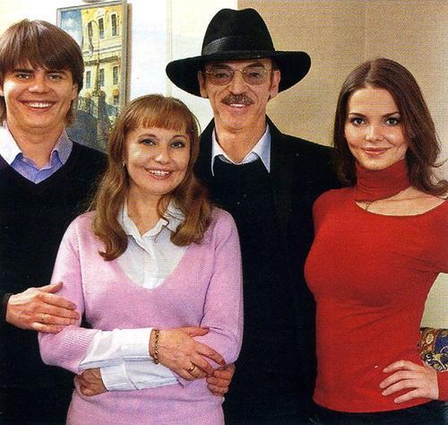 Лиза Боярская с семьей