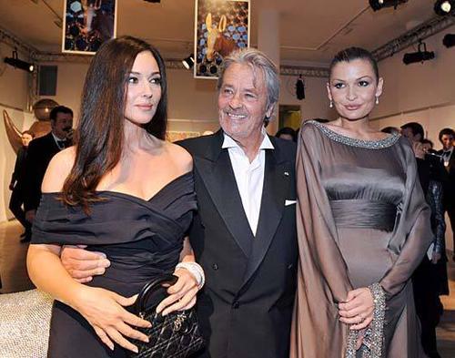Моника Беллуччи, Ален Делон и младшая дочь Ислама Каримова, Лола Каримова-Тилляева в Париже