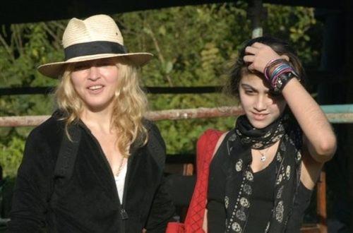 Мадонна с биологической дочерью Лурдес