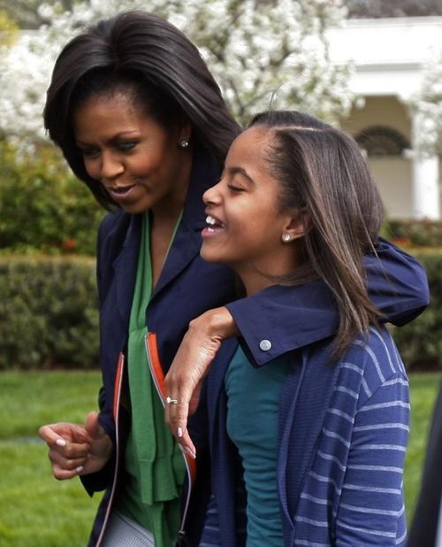 Старшая дочь Малиа Обама с мамой