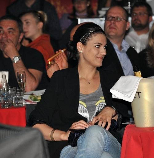 Среди гостей была замечена светская львица и телеведущая Маша Ефросинина