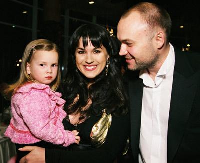 Cчастливая семья: Маша, Тимур и Нана