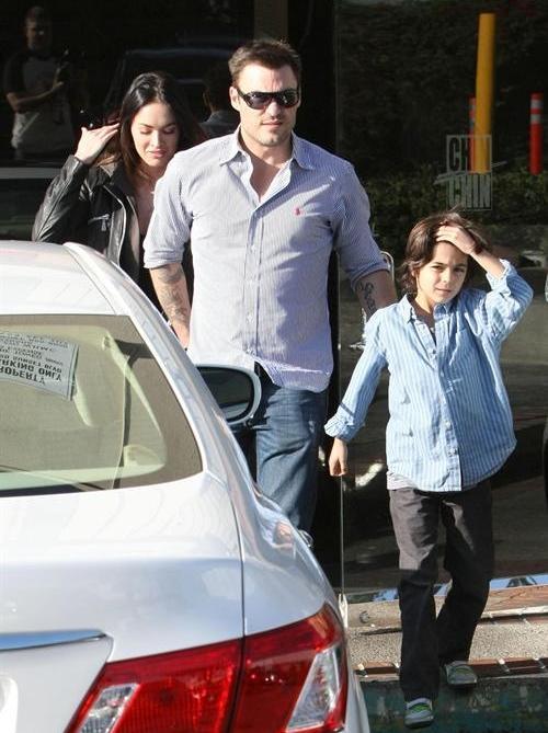 Меган Фокс и Брайан Остин Грин с сыном