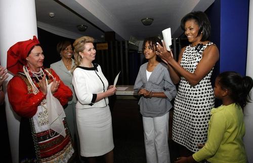 Американских гостей познакомили с Надеждой Бабкиной
