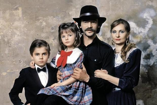 Михаил Боярский с семьёй