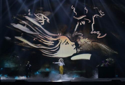 Выступление Мики Ньютон на «Евровидении» будет сопровождать песочная анимация Ксении Симоновой