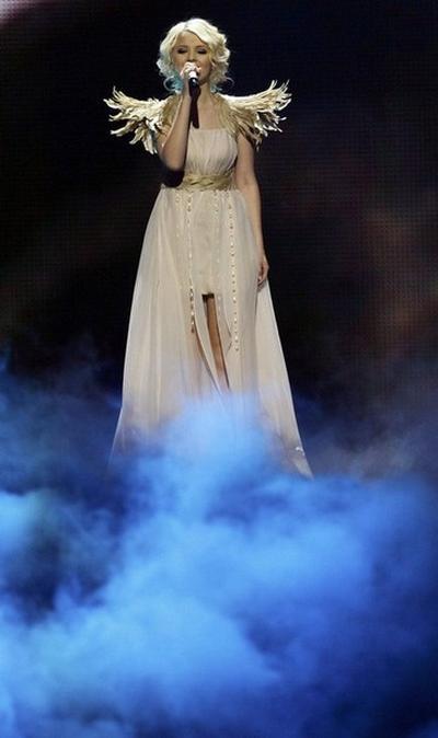 Выступление Мики Ньютон на «Евровидении-2011»