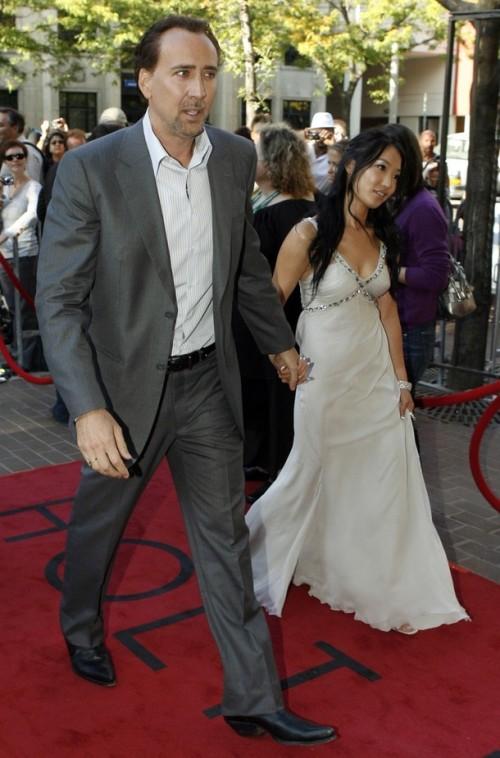 Николас Кейдж с супругой Элис Ким