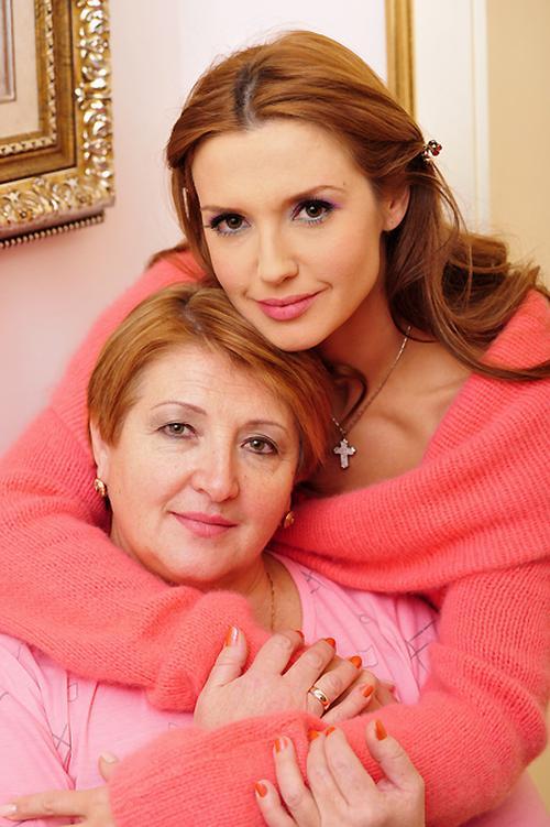 ... и с мамой