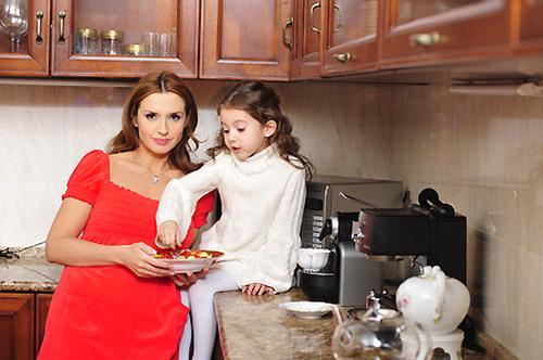 Оксана Марченко с дочерью...