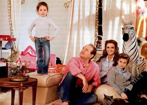 Оксана Марченко с семьей