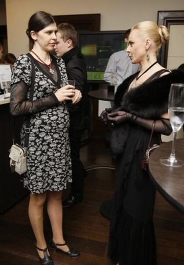 Наталья Скрипка (справа)