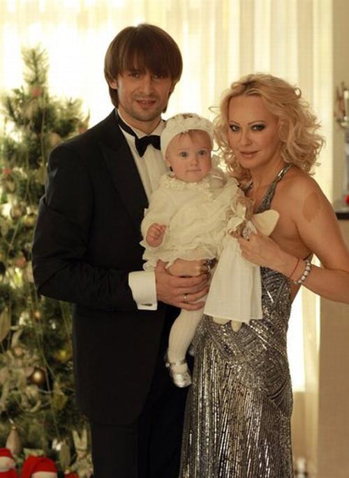 Александр Шовковский и Ольга Аленова с дочерью Александрой