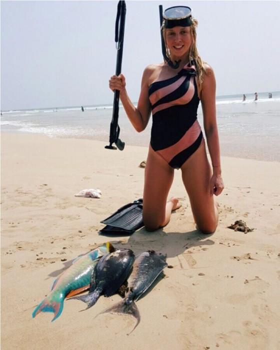 Оля Полякова на рыбалке