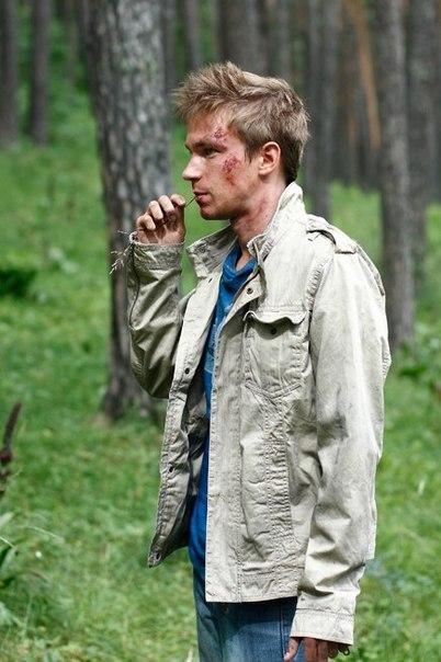 Петров на съёмках фэнтэзийного сериала Пока цветёт папоротник