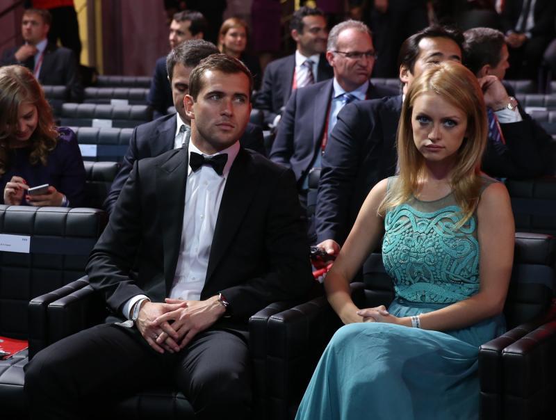 Кержаков с женой