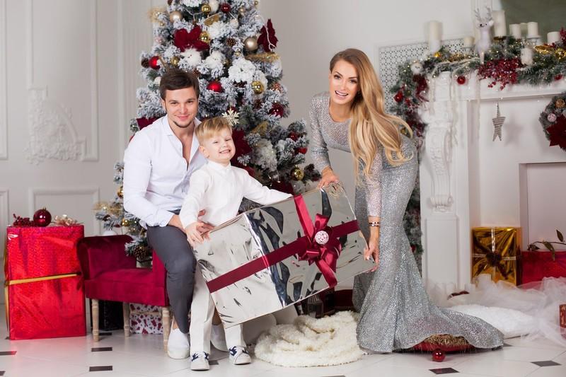 Антон Гусев и Евгения Феофилактова с сыном