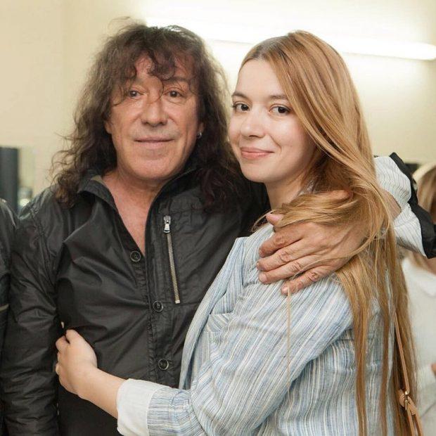 Владимир Кузьмин с девушкой