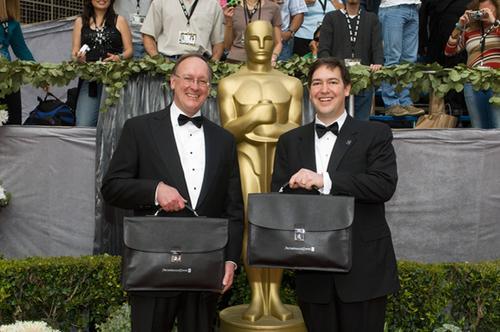 Эксперты PricewaterhouseCoopers перед вручением премии «Оскар»