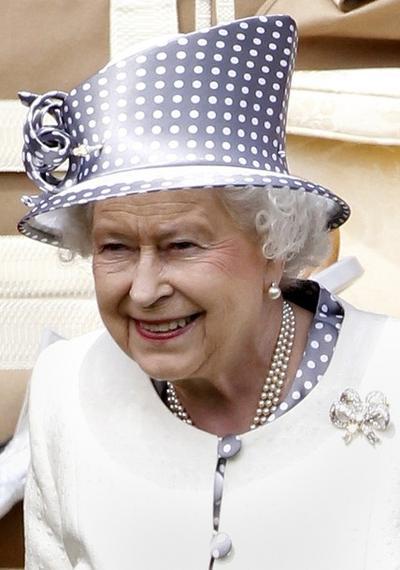 Королева Елизавета на конных гонках Royal Ascot 2010