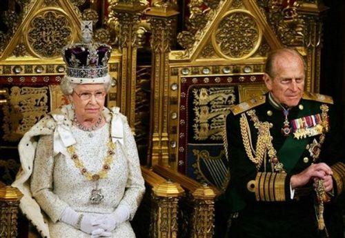 Королева Елизавета II с супругом - герцогом Эдинбургским принцом Филиппом