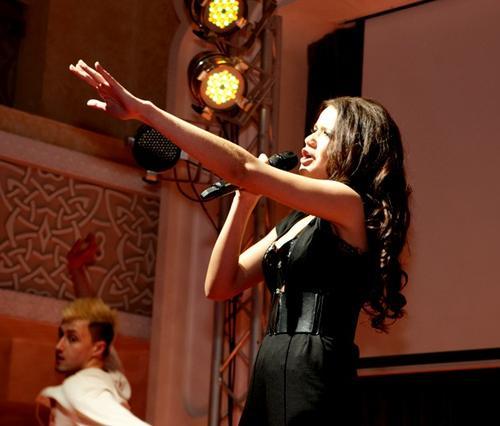 Певица Renata
