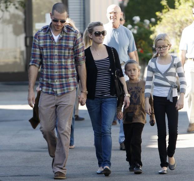 Риз со вторым мужем и детьми