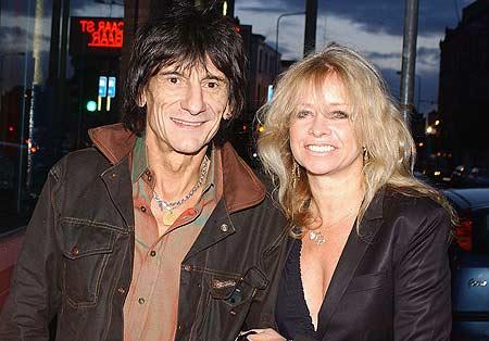 Ронни Вуд с экс-супругой Джо