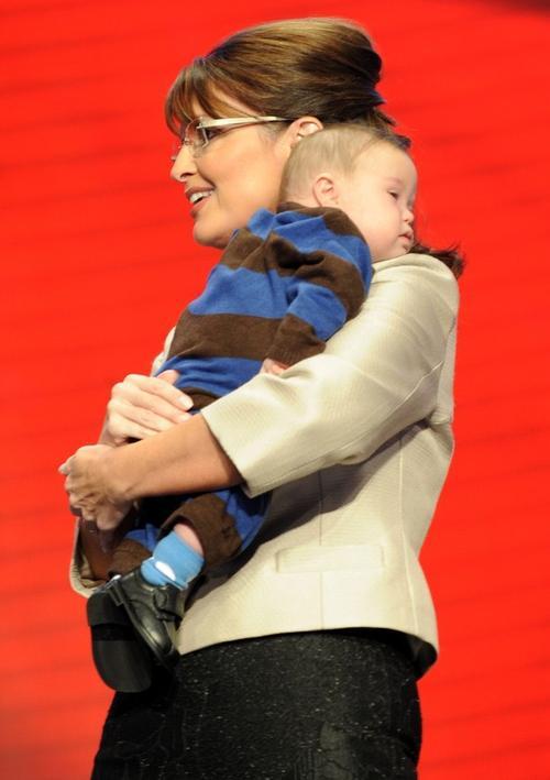 Сара Пэйлин со своим сыном с синдромом Дауна