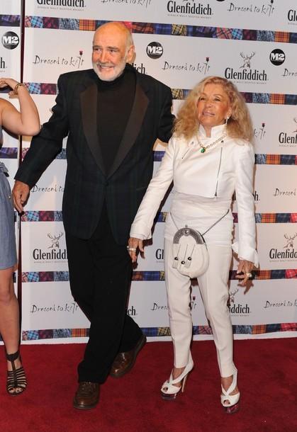 Шон Коннери с супругой Мишелин Роквебрун