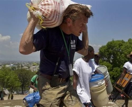 Шон Пенн на Гаити