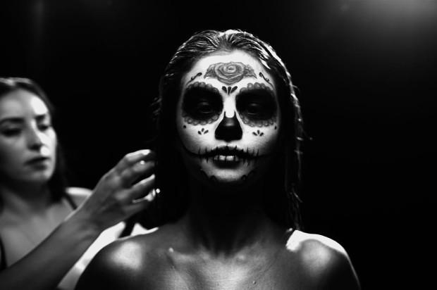 Селена Гомес в маске смерти