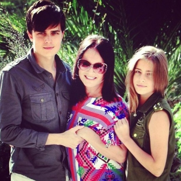 София Ротару с внуками на отдыхе в Испании
