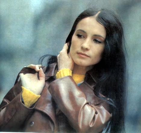 София Ротару в молодости была очень худенькой и долго лечилась от туберкулеза