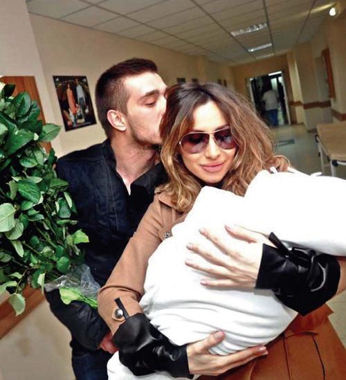 Светлана Лобода и Андрей Царь с дочерью