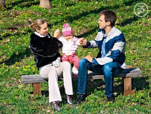 Татьяна Арнтгольц и Иван Жидков с дочерью