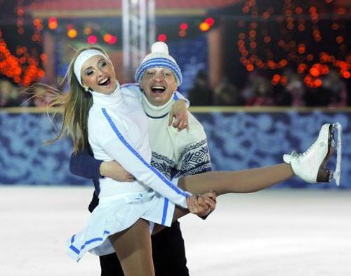 Татьяна Навка нашла утешение в надежных руках актера Марата Башарова