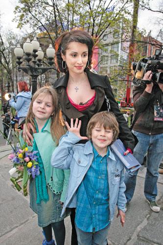 Фото тины канделаки и ее детей