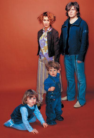 Тина Канделаки с мужем и детьми