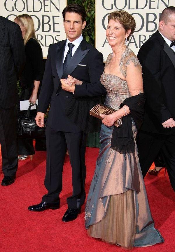 Том Круз для своей матери Мэри-Ли Мапотер старается чаще устраивать праздники