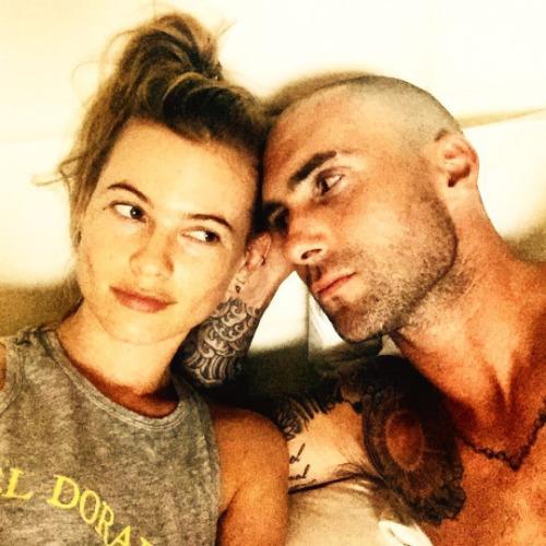 Адам Ливайн с супругой
