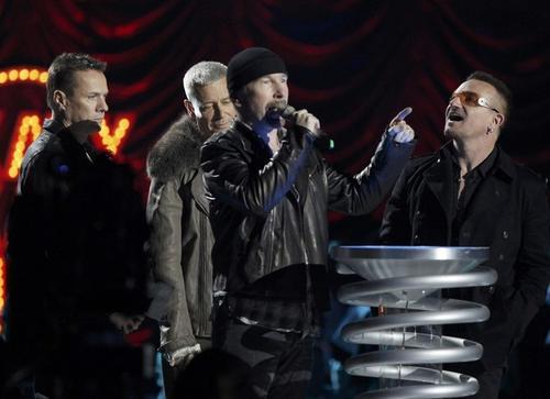 """Ирландская группа U2 победила в номинации """"лучшее живое исполнение"""""""