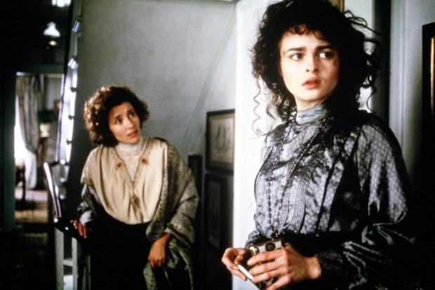 Кадр из фильма Усадьба Хауардс-Энд с Хеленой Бонэм Картер