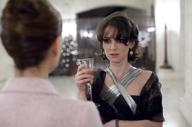 Кадр из фильма Черный лебедь с Вайноной Райдер