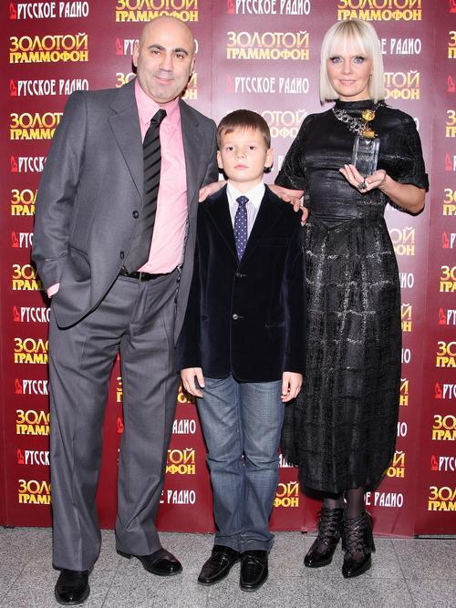 Валерия и Иосиф Пригожин с сыном Арсением