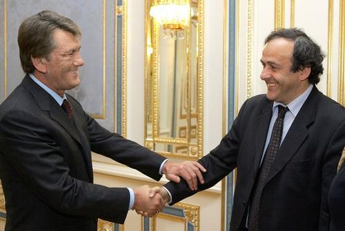 Виктор Ющенко и Мишель Платини. Киев, 29 ноября 2006 года